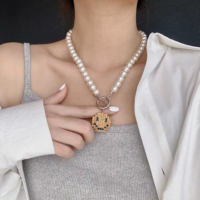 New Creative Cute Smile Pendant Necklace Best Fashion Pearl Chain Choker Party Jewelry for Women Friendship Girl Trendy Gifts