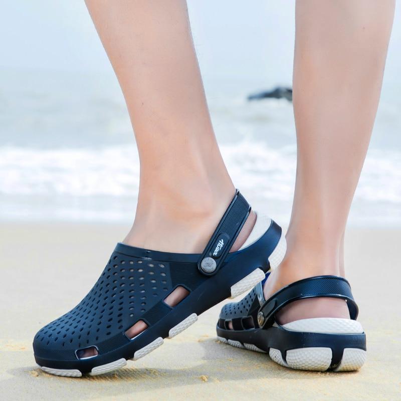 2020 New Comfortable Men Pool Sandals Summer Outdoor Beach Shoes Men Slip On Garden Clogs Casual Water Shower Slippers Flip Flop