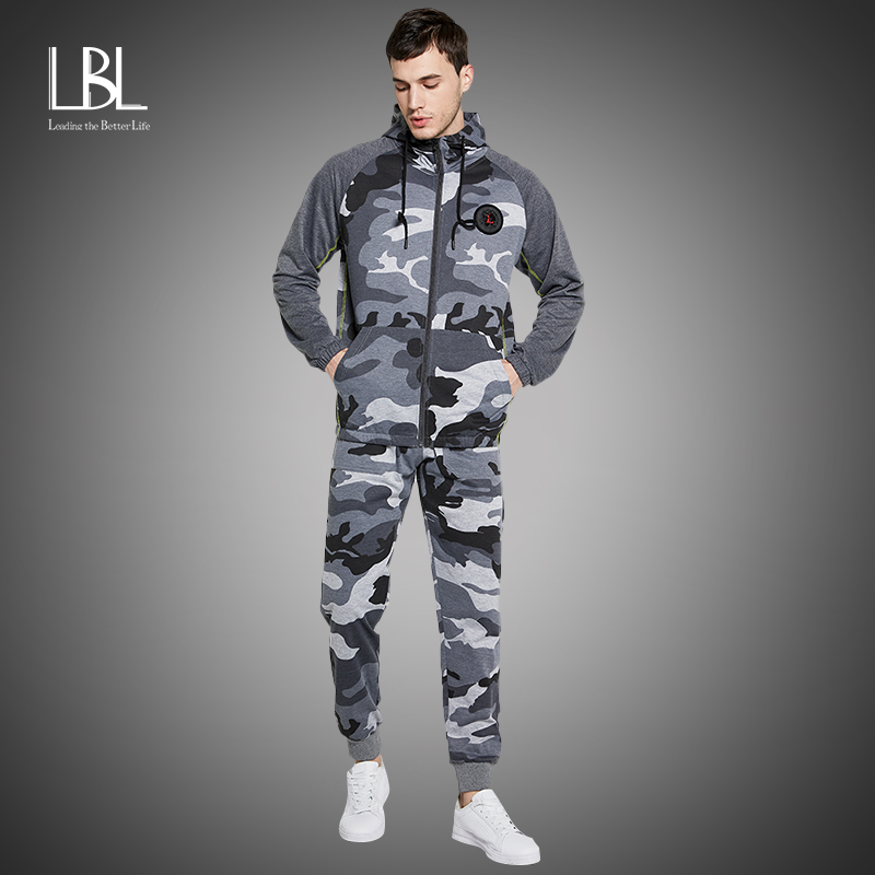 Camo Men Hoodies 2020 Autumn Winter Warm Hooded Tracksuits 2pcs Sweatshirts + Camoflage Pants Zipper Jogging Suit Active Clothes