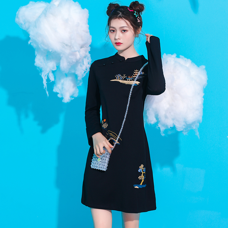 2020 Chinese Dress Women Improved Cheongsam Oriental Dress Long Sleeve Embroidery Qipao Dress For Female Evening Party Dress