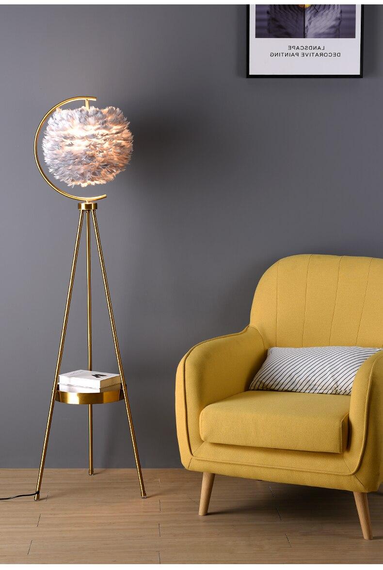 Moderm criativo ouro vertical lâmpada de mesa