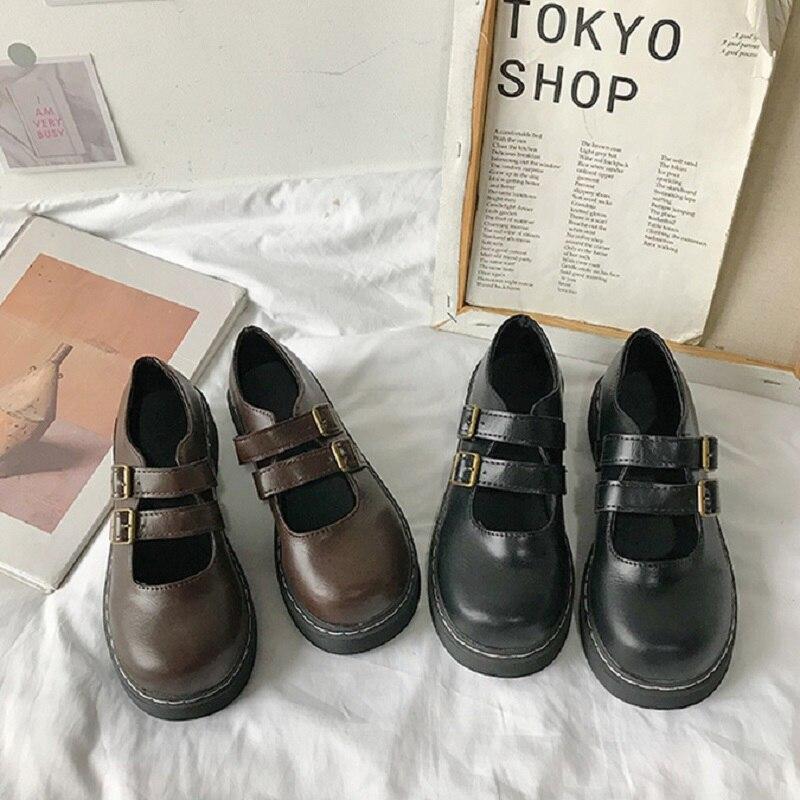2019 New Japanese Round Head Buckle Flat Shoes Fashion Retro Big Head Doll Harajuku Small Leather Shoes.