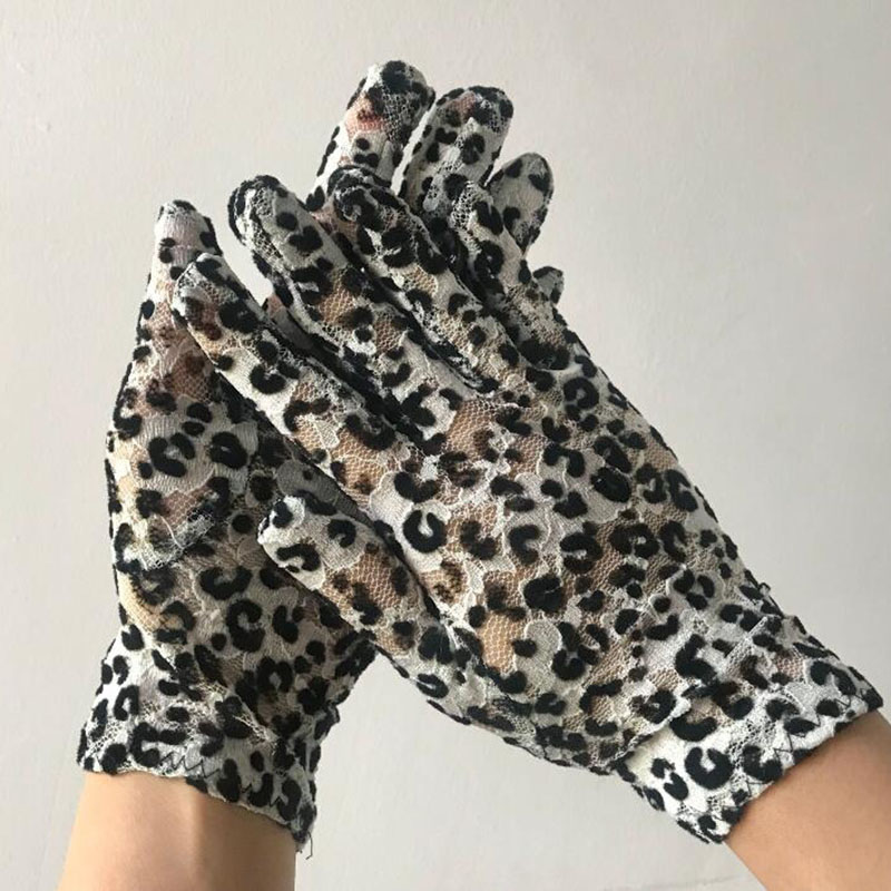 Summer Women's Lace Sunscreen Gloves Female Thin Sexy Leopard Ceremonia Gloves Breathable Elastic Cycling Driving Gloves E92