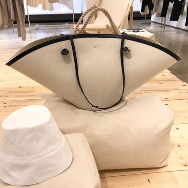 2019 Women's Fashion Trend Fan-shaped Handbag Quality PU Leather Tote Bag Large Capacity Shell Bag Shopping Bag New Arrival