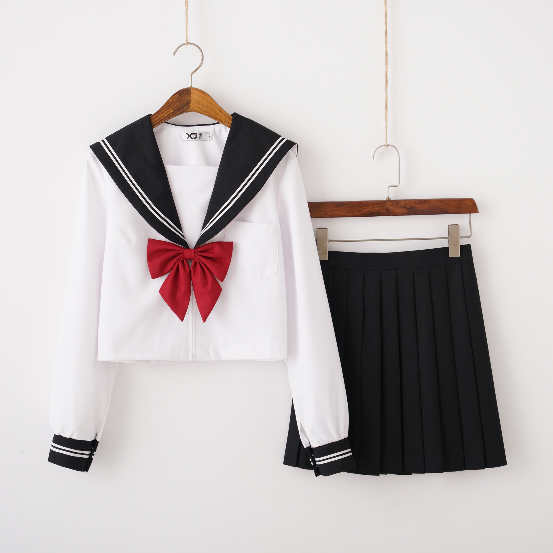 2019 Autumn Japanese School Uniforms Girls Cute Sailor Suits White Tops Black Pleated Skirt Red Bow Tie Sets Cosplay Jk Costumes