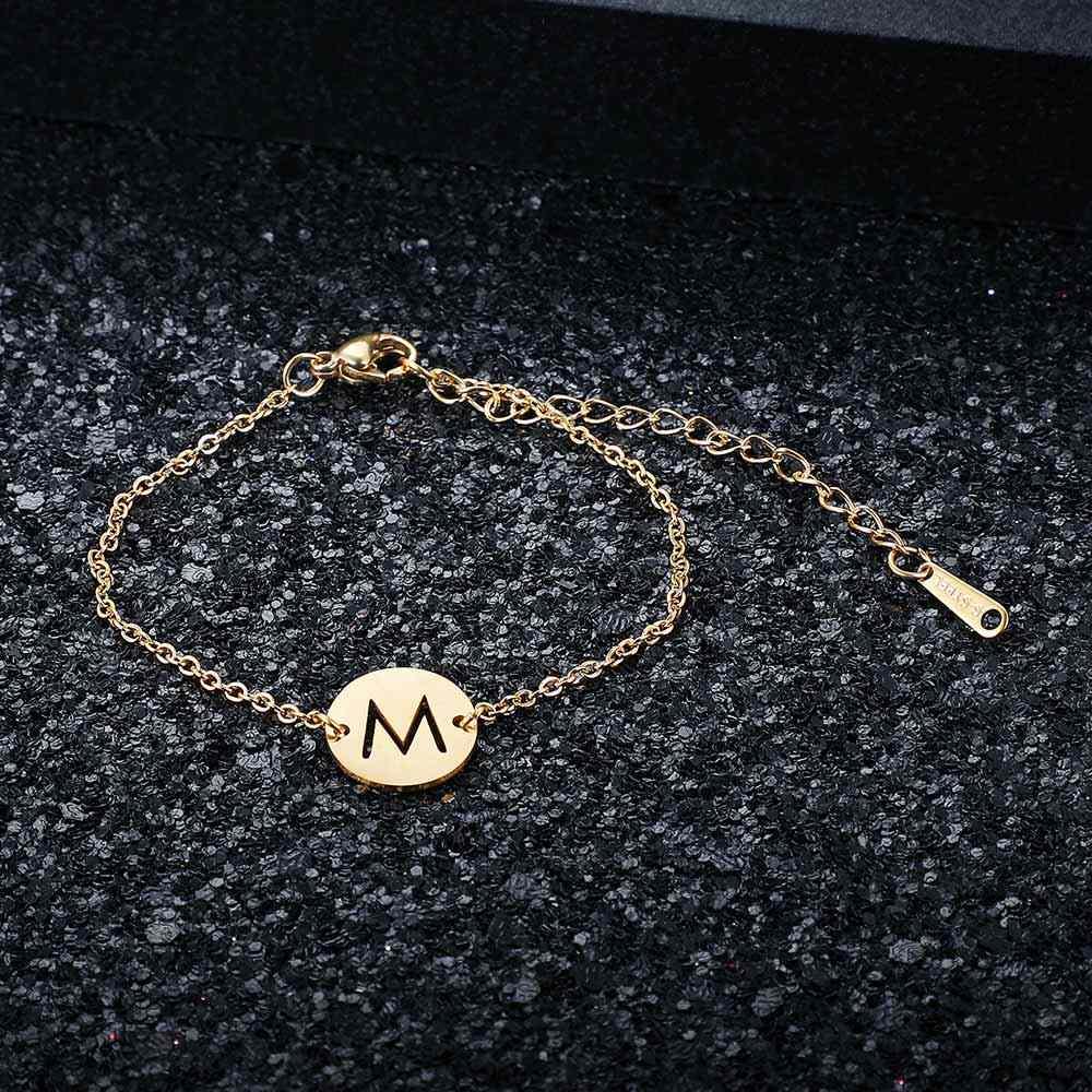 Fabulous 100% สแตนเลสแท้ GOLD Filled A-Z ชื่อเริ่มต้น Letter Charm สร้อยข้อมือสำหรับผู้หญิงหญิง