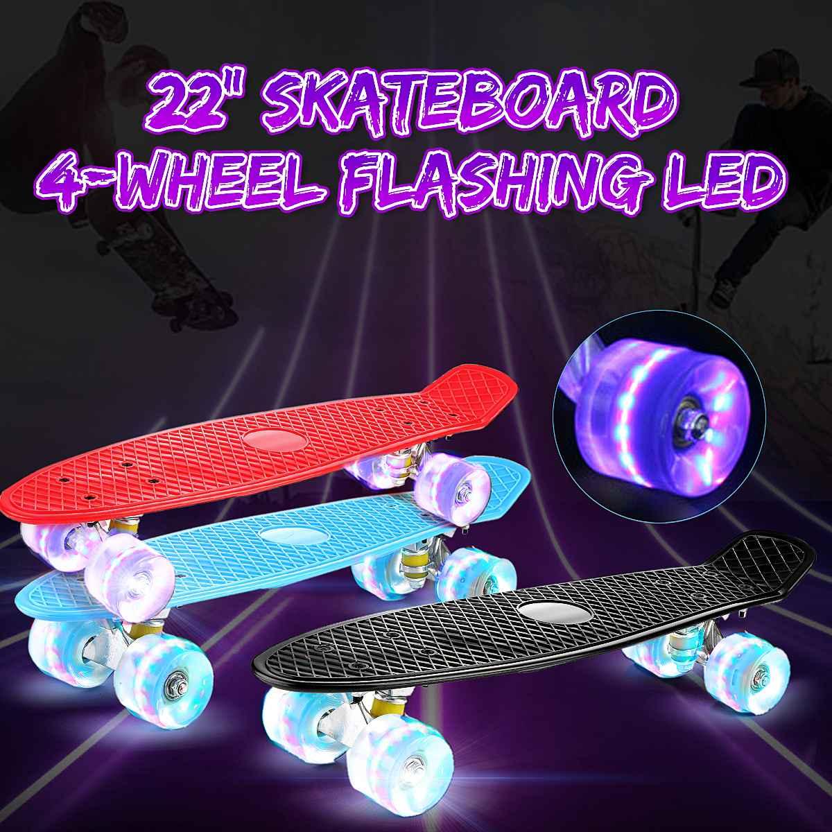 Patín de 22 pulgadas con luz intermitente Mini patineta de plástico Longboard de cuatro ruedas para deportes al aire libre en la calle para niños y niñas