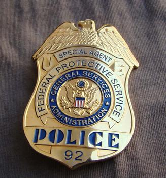 Klasyczne klatek na sekundę federalnej ochronne usługi administracji usługi dla AGENT specjalny policji replika film Prop Pin opublikowano kolekcji mody tanie i dobre opinie Odznaka Metal