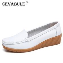 CEVABULE wiosna jesień skórzane buty dla matek w średnim wieku kobiet buty na co dzień skóra modne buty klinowe mieszkania buty CQY-C987 tanie tanio Podstawowe Prawdziwej skóry Skóra bydlęca Szycia Gumowe Dla dorosłych Wiosna jesień Okrągły nosek Slip-on Pasuje prawda na wymiar weź swój normalny rozmiar