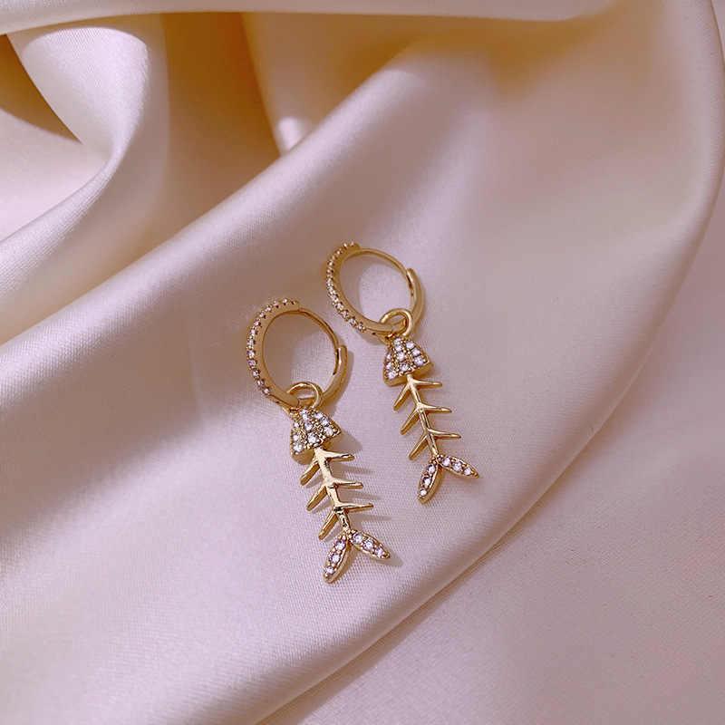 Indah Tulang Ikan Bentuk Kecil Bulat Elegan Mencegah Alergi Logam Kontrak Modern Perhiasan Wanita Anting-Anting Berkualitas Tinggi