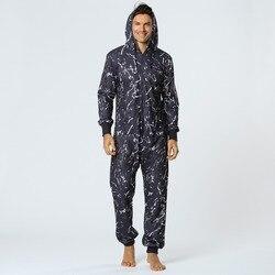 Ropa de dormir larga para adultos pijama de una pieza mono de hombre con capucha estampado negro Onesie para hombres ropa de casa