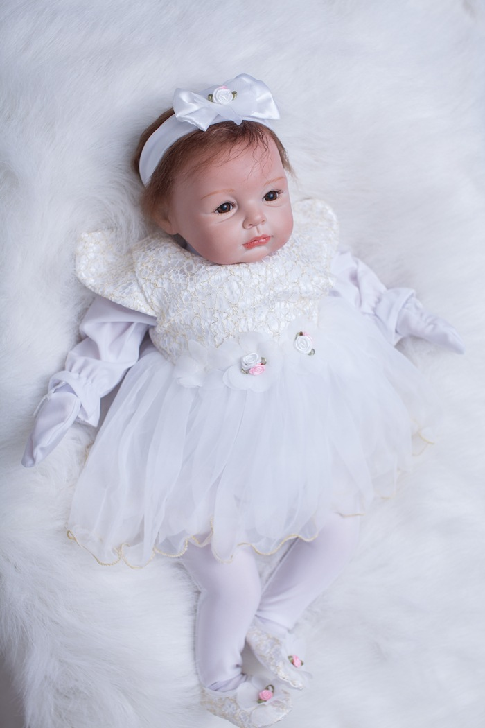 Handmade 22 Inch Cute Silicone Reborn Baby Dolls 55 Cm Cotton Body New Reborn Babies Doll Toys White Clothes Princess Girl Doll