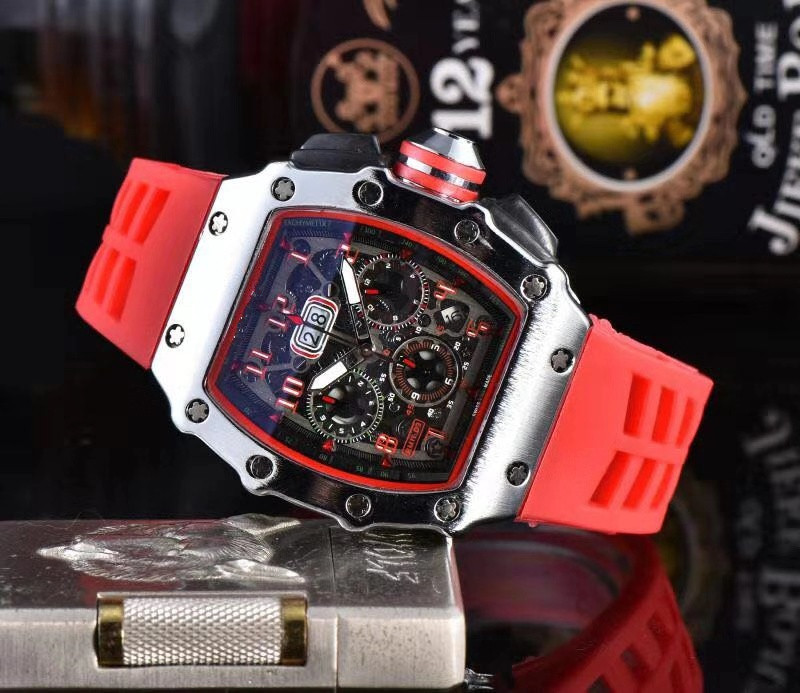 Red Brand Luxury Siliconce  Dz Auto Date Week Display  Luminous Diver Watches  Stainless Steel Wrist Watch Male Clock