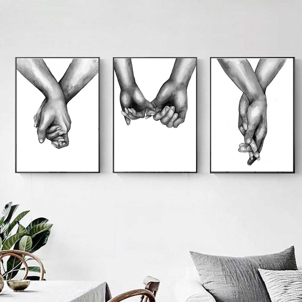 Poster Lovers Hand In Hand Prints on Canvas Love Oil Painting for Living Room Decoration Wall Art Pictures No Frame