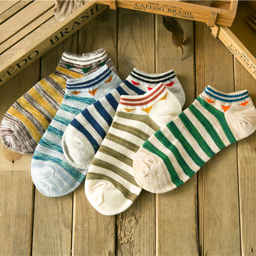 New 2020 Spring And Summer Korean Striped Cotton Men Boat Socks Personalized Tide Socks