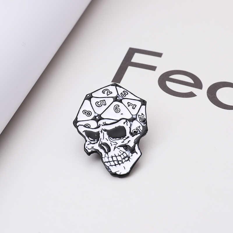 Dadi Del Cranio dello smalto pin Horror scheletro Bianco risvolto pins spille il Conto Alla Rovescia a morte Bone Camicia zaino Distintivi e Simboli punk Dei Monili regali
