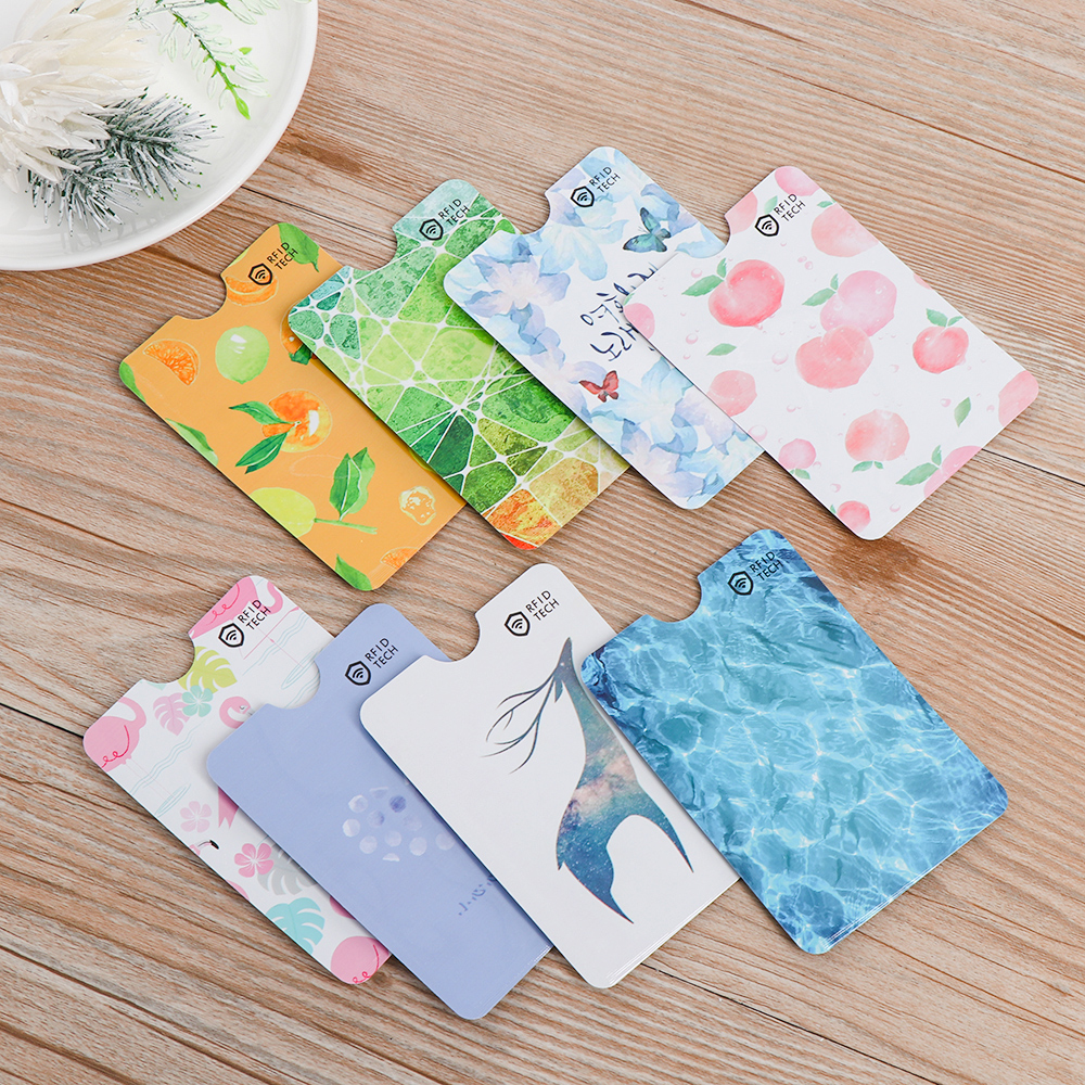 4PCs Pattern Random Anti-degaussing ID Card Case Bus Card Cover Cute Pattern RFID Bank Card Safety Holder IC Aluminum Foil Bag