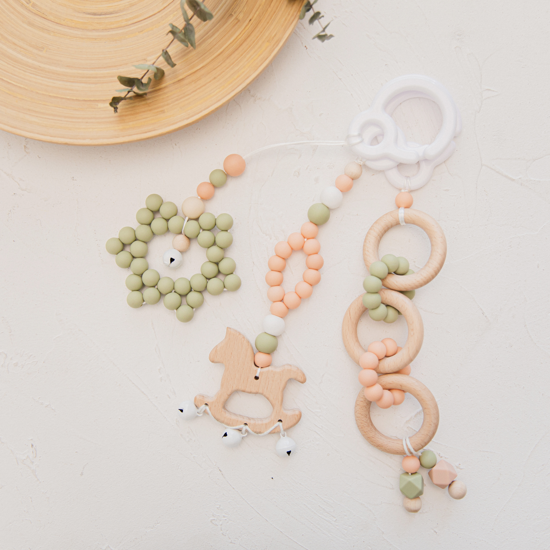 2021 New Baby Teething Toys Food Grade Wooden Infant Gym Frame Stroller Hanging Pendants Ring Teether Molar Teething Rattles
