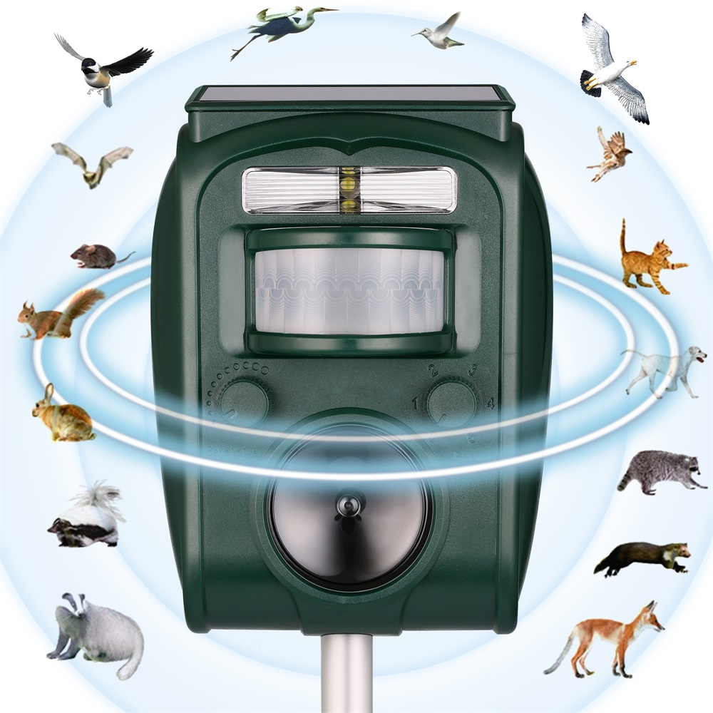 Outdoor Solar Ultrasonic Animal Pest Control Garden Use Flashing Fox Bats Birds Dogs Cats Repeller Repellent