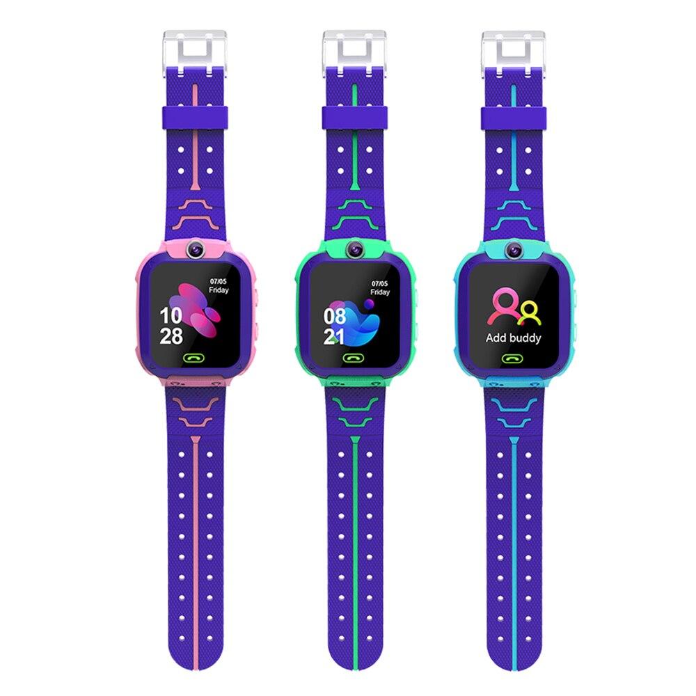 Tüketici Elektroniği'ten Akıllı Saatler'de 2019 yeni Q12 çocuklar akıllı saat çocuklar için Gps ile çocuk anti kayıp akıllı saat LBS bulucu bulucu izci olarak noel hediyesi