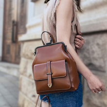 2020 خمر ريترو غلق بمشبك المرأة على ظهره بولي Leather حقيبة مدرسية جلدية على ظهره للمراهقين الفتيات السفر موضة حقائب كتف الإناث