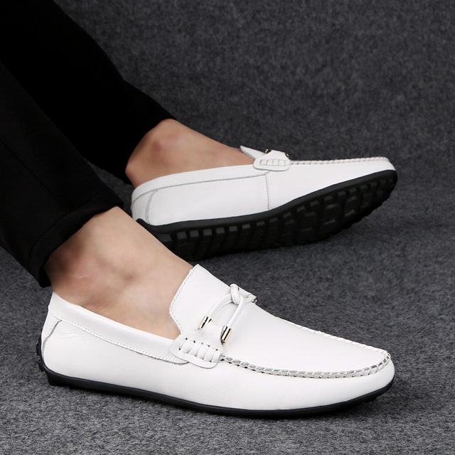Spring Autumn Genuine Leather Slip on Men Shoes Moccasins Loafers Mocassin Homme Mocasines Designer Driving Shoes Casual White