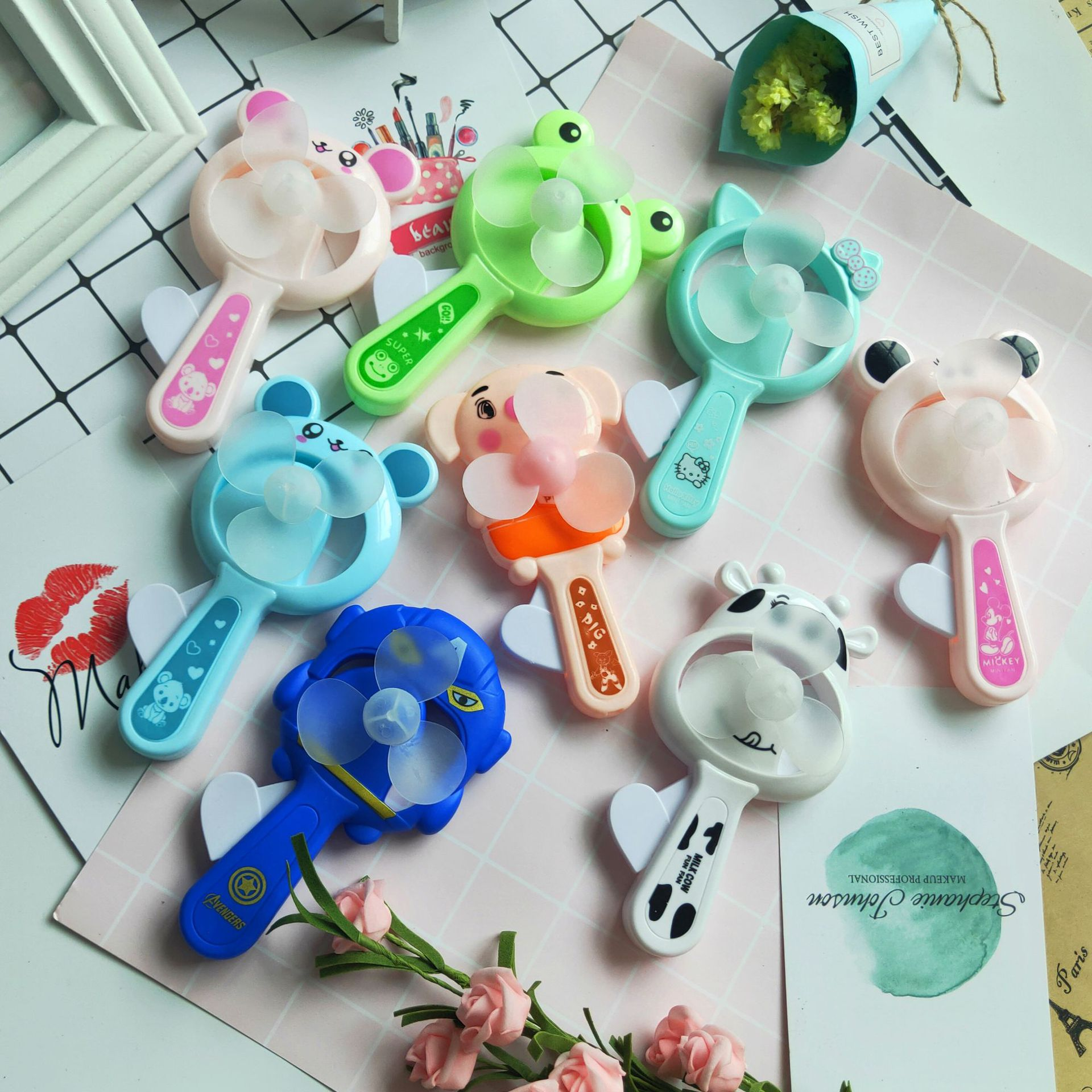 1pc Funny Toys Cartoon Small Fan Hand Pressure Fans Creative Cartoon Shape Manual Small Fan Cool Portable Hand-held Gifts