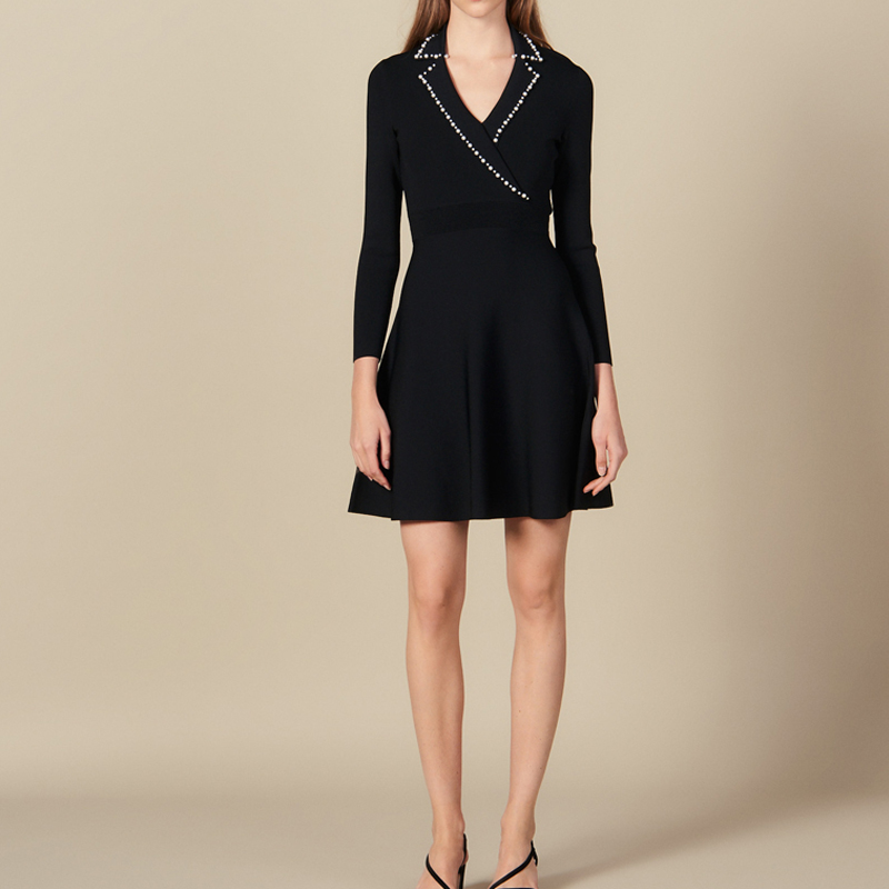 2019 Otoño/Invierno nueva perla solapa manga larga cuello pico delgado vestido de punto oficina señora mujeres Mini vestidos-in Vestidos from Ropa de mujer    1