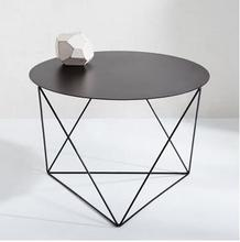 Stylist extremely simple tea table of iron art north Europe is small family sitting room originality circular tea table is conte simple small family round tea table table of black and white of the lacquer that bake sale