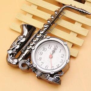 В форме музыкальных инструментов цифровые часы украшения саксофон будильник прикроватные настольные часы украшения для гостиной Рождеств...