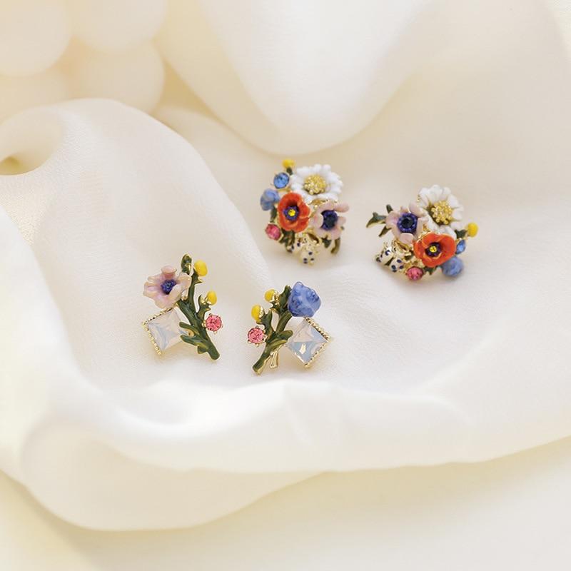 Retro Colorful Enamel Flower Earrings 2020 Vintage Gold Color Alloy Multi Flowers Glass Small Stud Earrings Statement Jewelry