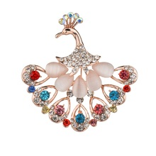 Gariton Cute Animal Peacock Brooch tail muti crystals Wedding Jewelry Stones Colorful Crystal Pins