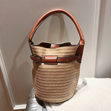 цены Small Women Straw Bucket Bag 2020 New Summer Beach Hand Bags Shoulder Bag Vintage Woven Rattan Handmade Messenger Crossbody Bags
