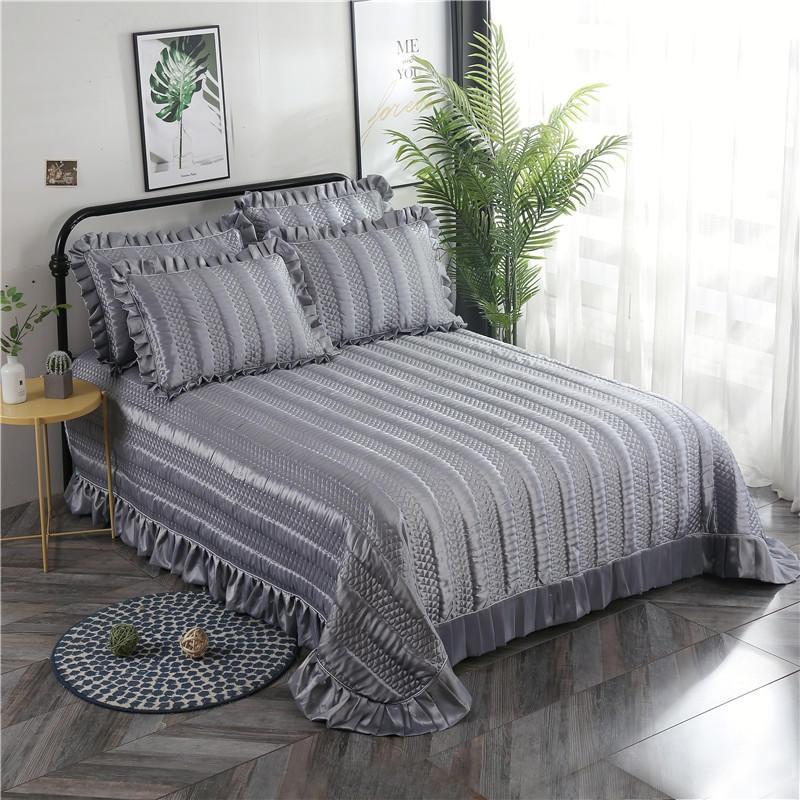 Satin de soie Gris Matelassé Épais couvre-lit Ébouriffé Roi Reine taille 3 pièces ensemble de couverture de Lit De Luxe lit avec Match Taie D'oreiller