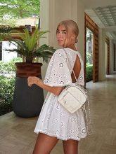 Vestido corto informal de algodón con espalda descubierta para mujer, traje elegante con bordado Floral blanco, cintura alta, otoño