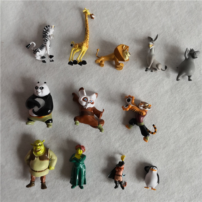 12pcs/set Anime Shrek Panda Madagascar Toys PVC Action Figures Movies TV Model Toys Kids Toys Gifts For Children Birthday Gifts