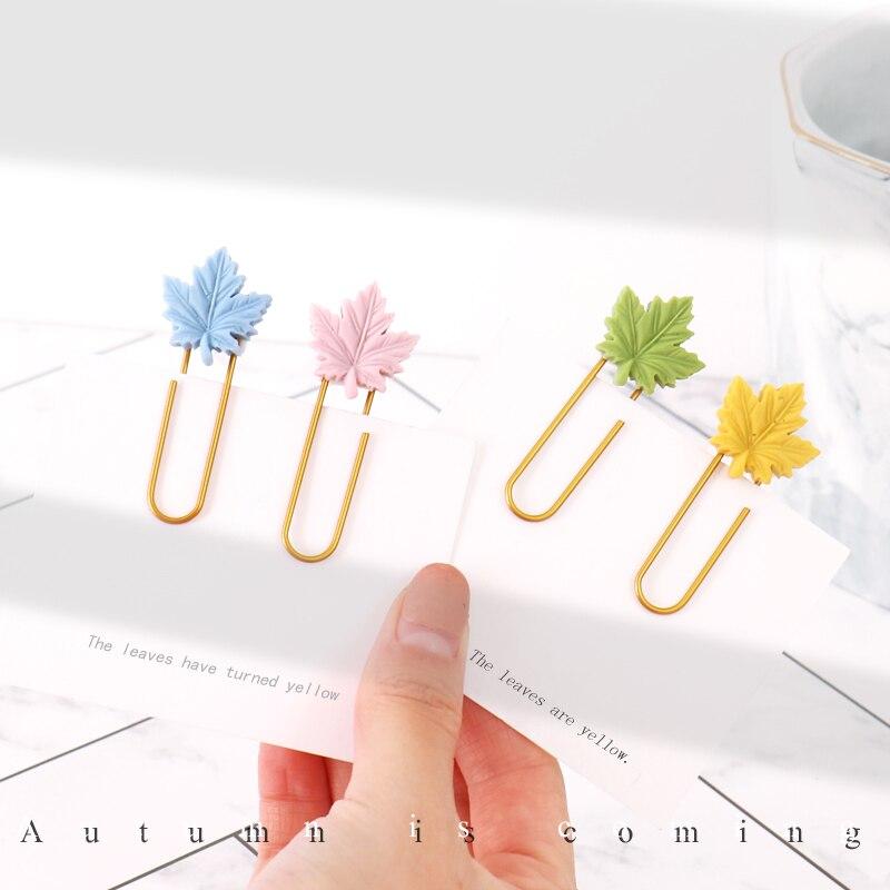 TUTU 10pcs/lot Maple Leaf Paper Clips Bookmarks Page Holder Memo Photo Clip Plastic Quality Colored Push Pins Thumbtacks H0374