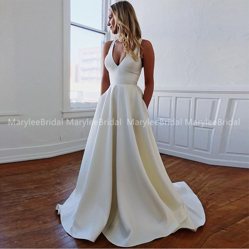 A-line White Ivory Wedding Gowns Sexy Deep V-neck Bridal Dress Sweep Train Vestidos De Noiva Crisscross Bow Back Bride Dresses