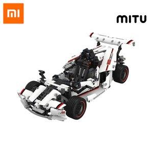 Image 1 - Xiaomi MITU akıllı yapı taşları yol yarış arabası çocuk oyuncak elektrikli Bluetooth 5.0 APP akıllı uzaktan kumanda 900 + parçaları