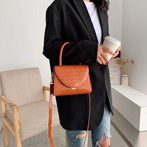Image 4 - 石のパターンpuレザー女性のためのクロスボディバッグ2021高級品質ショルダーシンプルなバッグ女性デザイナーハンドバッグトートバッグ