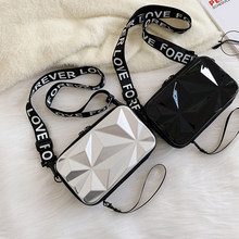 Sac à bandoulière pour femmes, petit fourre-tout Portable, larges lettres 3D, sacs à bandoulière, sacs de Shopping exquis à la mode pour femmes, 2020