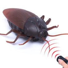 Funny Simulation Infrared Remote Control Prank Insect RC Cockroach Gag Toy for Joke Trick Bugs Little Animal Spider Scorpion Bee
