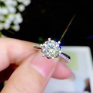 Image 2 - Moissanite 성격 디자인 새로운 반지, 925 순은, 아름다운 색깔, 번쩍이는, 1 캐럿 2 캐럿 다이아몬드 d vvs1