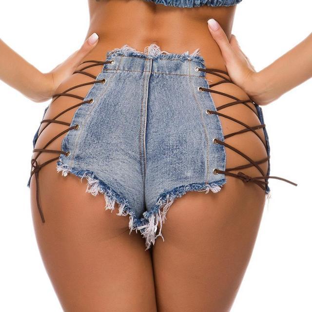 Ebony ass in jeans