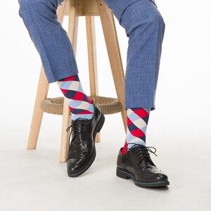 Image 3 - SANZETTI 12 Pairs/Lot 2020 Neueste Winter Warm Bunte männer Casual Gekämmte Baumwolle Glücklich Crew Socken Neuheit Kleid hochzeit Socken