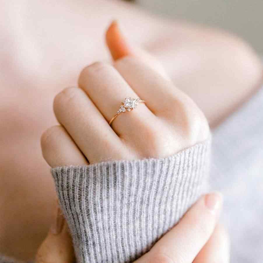 พราว Princess Cut คริสตัลสีขาว Rose Gold แหวนสัญญาแต่งงานเจ้าสาวเครื่องประดับสำหรับผู้หญิง Sz 6-10