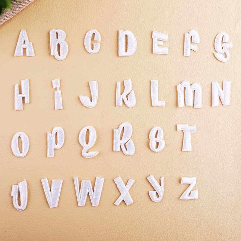 Diy 화이트 영어 알파벳 편지 패치 아이 옷 가방 바지 청바지에 대 한 의류 배지 붙여 넣기에 대 한 수 놓은 패치에 철