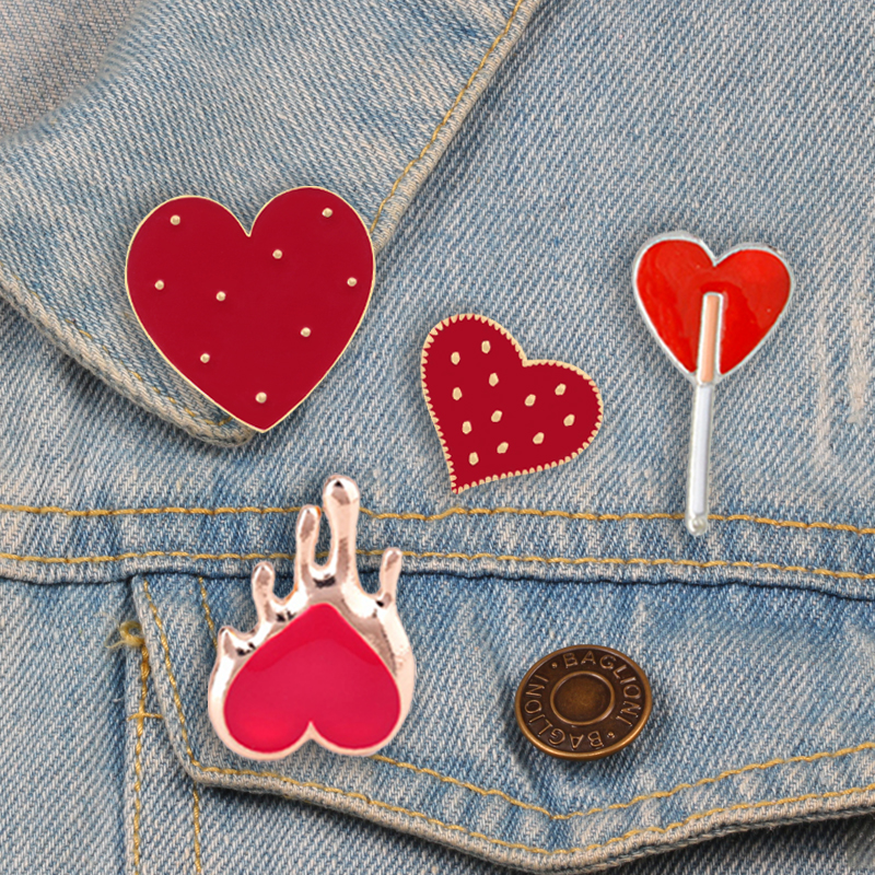 Cute Brooch Warm Red Heart Women Enamel Pins Badge Sweater Backpack Jackets Lapel Metal Button Pin Fashion for Girls Accessories