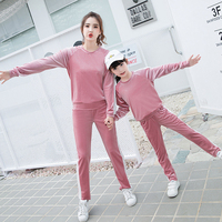 Mom Girls Velvet Outfits 2019 Autumn Winter Wear Costumes Sports Long Sleeve Vetement Mother Daughter Family Party Clothes Sets