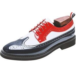 Image 3 - Zapatos informales de charol para fiesta en club nocturno para hombre, zapato Oxford tallado de cuero calado con punta estrecha, talla grande
